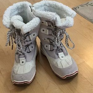 Pajar white winter boots